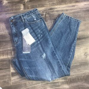 NWT Only Loose Fit Distressed Cropped Denim Jeans